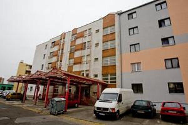 Prvý návrh na odpredaj bytov v dome na Športovej ulici bol už v roku 2006.