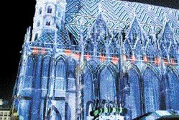 Svetelná inštalácia na Dóme sv. Štefana.