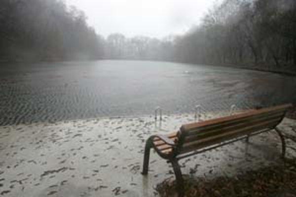 Ďalšie jazero na Železnej studničke bude k dispozícii aj amatérskym rybárom.