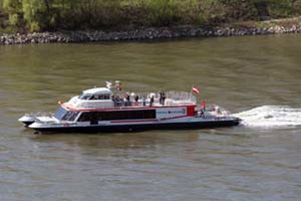 Slovenské deti majú do konca mesiaca plavbu loďou zdarma, ak s nimi ide platiaci dospelý.
