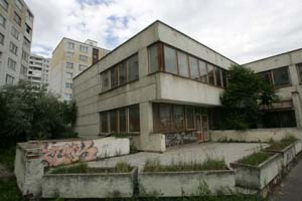 Kým pre archív nepostavia novú budovu, bude v bývalej škôlke v Petržalke. Tú však najprv čaká rekonštrukcia.