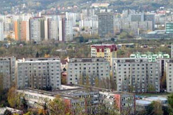 Bratislavské sídliská majú problémy so zahusťovaním výstavby. Len máloktoré má však plán zóny, ktorý by presne určoval, čo sa kde smie.