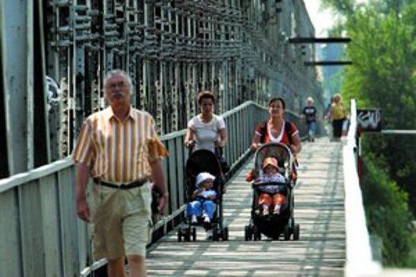 Fotografie Starého mosta budú o niekoľko rokov vzácnosťou.