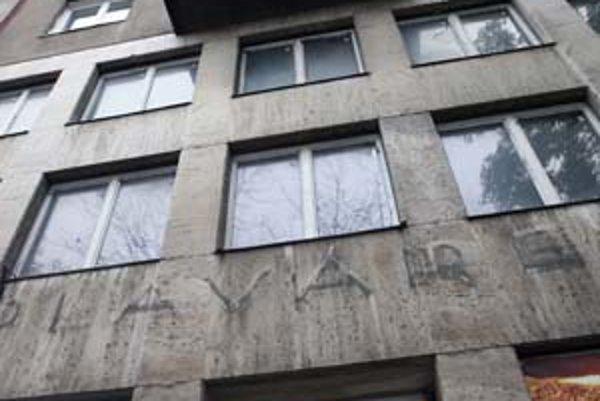 Súčasťou domu, v ktorom sú kúpele, je aj deväť bytov.