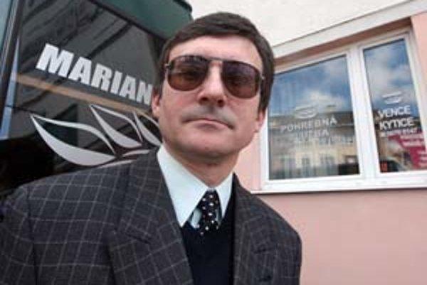 Proti rozhodnutiu okresného súdu, ktorý dal za pravdu Jozefovi Bonkovi (na fotografii), sa Marianum odvolalo neskoro. Vec napriek tomu posúdi krajský súd.