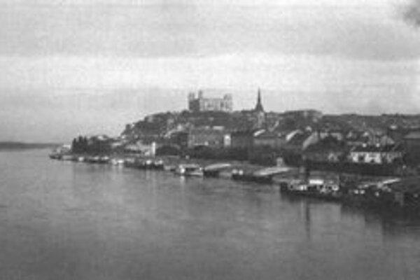 Bratislavčan z Ameriky videl po desaťročiach z lode svoje rodné mesto – ale nemohol vystúpiť...