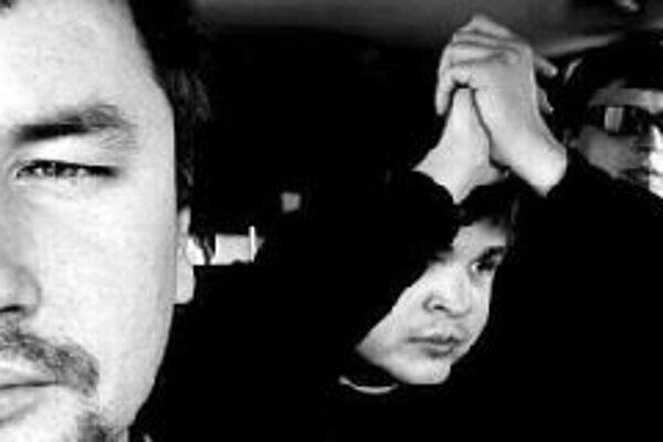 """Juraj Tatár, Martin Gašpar a Marcel Buntaj patria medzi najvyhľadávanejších hráčov Slovenska. Čo je však pre jazzových hráčov netypické - zámerne sa vyhýbajú nekonečnému improvizovaniu. Všetky ich skladby sú vo forme """"pesničiek"""". Živá zmes fusion a elekt"""