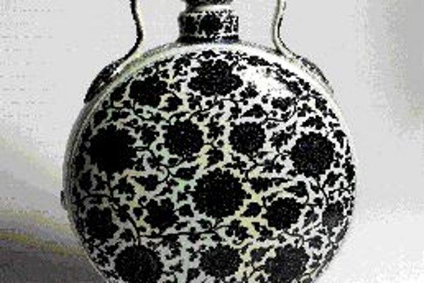 Mesačná fľaša banhu, porcelán. Čína, dyastia Qing, obdobie qianlong (1736 - 1795).