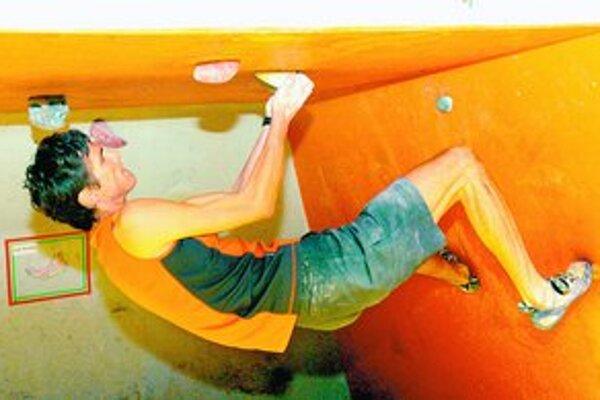 Pri lezení akoby chvíľami prestávali platiť fyzikálne zákony. Pretekári to predvedú aj zajtra v Petržalke.