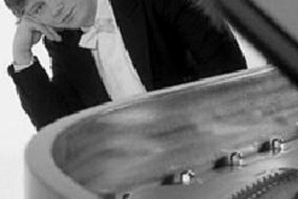 V rámci abonentného cyklu Hudba troch storočí sa v piatok 13. apríla v Slovenskej filharmónii predstaví Maďarský národný filharmonický orchester. Umelci uvedú známe diela maďarských velikánov Franza Liszta, Ernö Dohnányiho, Bélu Bartóka, Zoltána Kodálya.