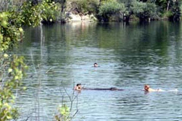 Zákaz kúpania v čunovských jazerách bude zrušený ešte túto sezónu.