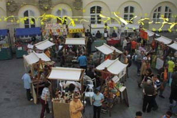 Na trhy príde aj tajomná RadničkaV piatok a sobotu (5. a 6. októbra) sa konajú Radničkine trhy na nádvorí Starej radnice. Je to priestor pre klientov z chránených dielní a zariadení sociálnych služieb vystaviť a predávať svoje výrobky. Tento rok bude na n