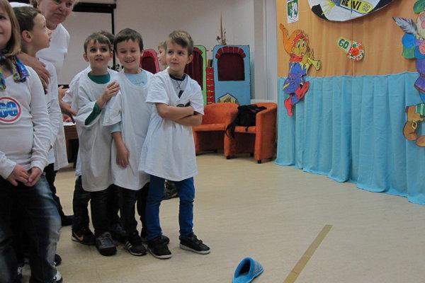 Deti do malej brány triafali papučou.