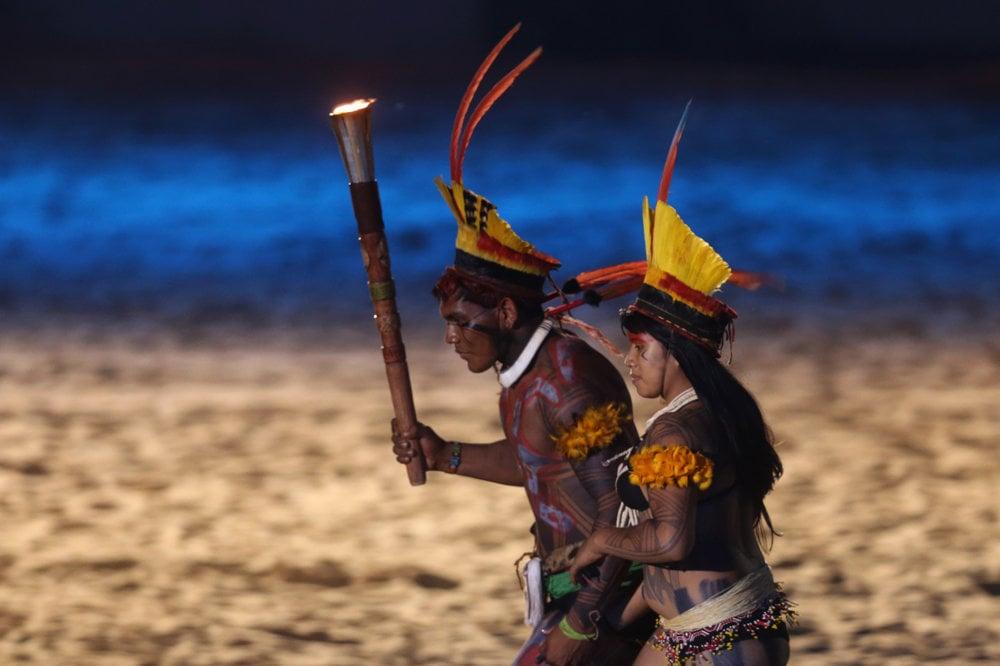 Zahájenie hier domorodcov v Brazílii.
