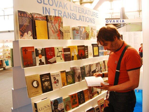 Štyridsať knižných titulov slovenských autorov v maďarskom preklade sa prezentovalo na 23. medzinárodnom knižnom festivale v Budapešti.