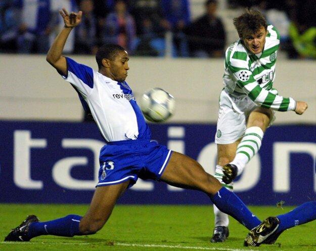 Ľubomír Moravčík (vpravo) si v minulosti dres Celticu Glasgow obliekal.