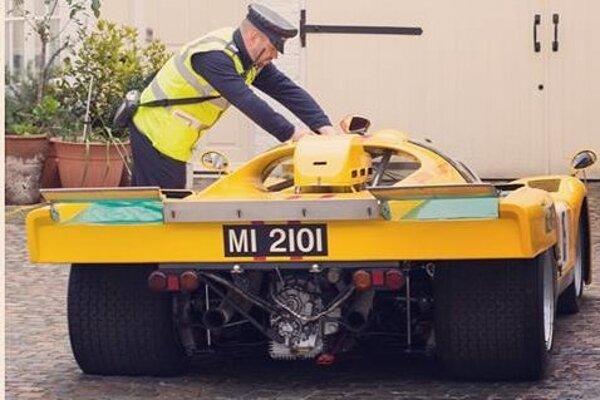 Pokute za parkovanie sa nevyhlo ani Ferrari 512M