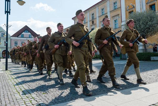 Vojenská prehliadka v Žiline.