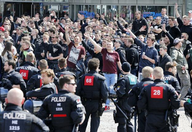Nebezpečiu vyčínania sa polícia chcela vyhnúť.