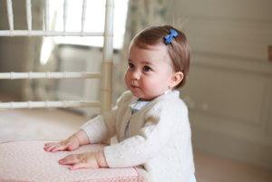 Najnovšia fotografia princeznej Charlotte pri príležitosti jej prvých narodenín