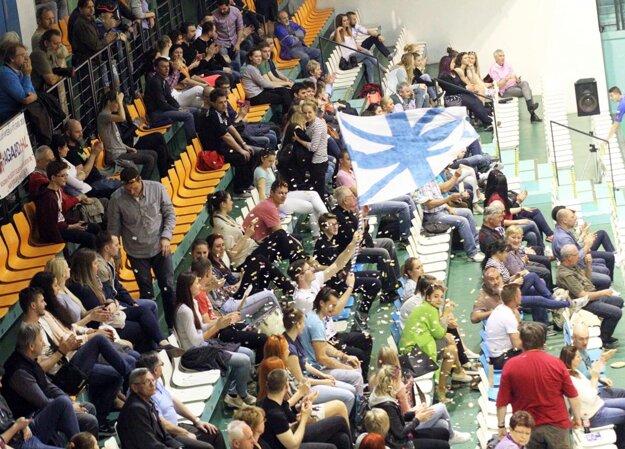 Fanúšikovia nitrianskeho volejbalu mali v nedeľu dôvod na radosť.