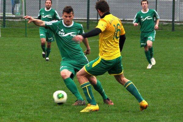 Pre Vladimíra Jašicu (s loptou) sezóna 2015/2016 pre zlomeninu skončila.