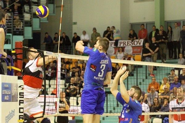 Cenu pre najlepšieho hráča Nitry dostal poľský univerzál Lukasz Szarek (3).