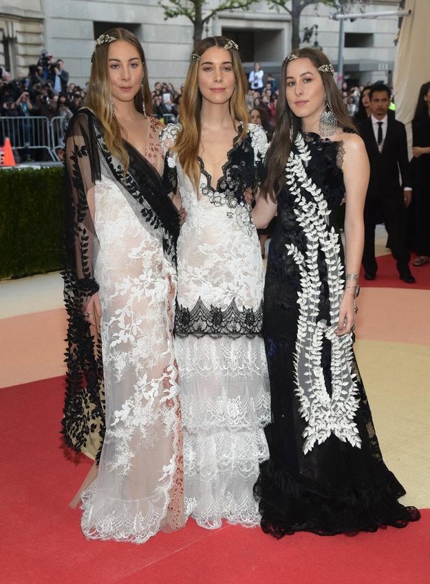 Sestry Haimové, zľava Este, Danielle, Alana