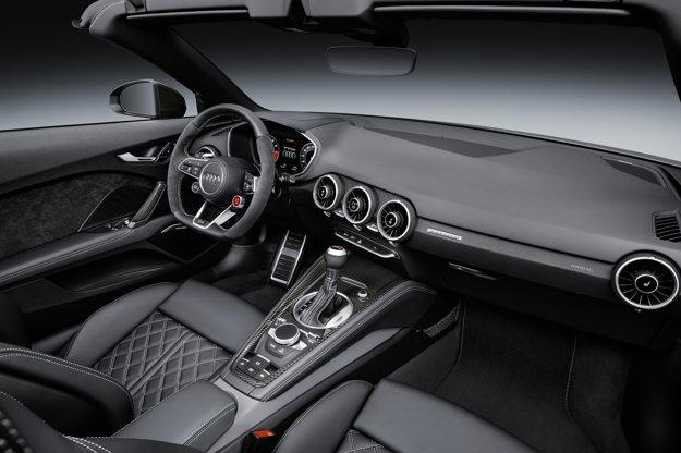 Pohľad do interiéru Audi TT RS Roadster