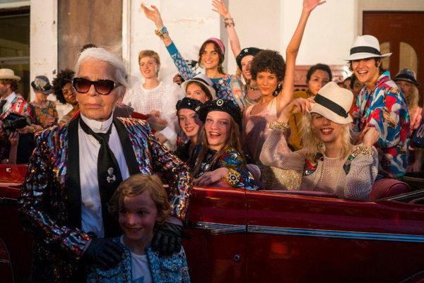 Karl Lagerfeld s modelkami