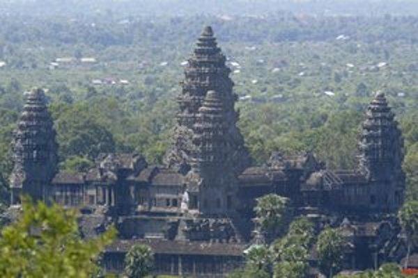 Letecký pohľad na Angkor Wat v Kambodži.
