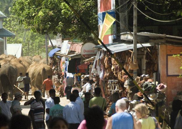Srí Lanka je v porovnaní s Bali menej ovplyvnená turizmom.