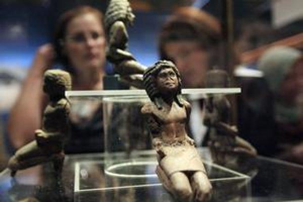 Vzácne exponáty si v Egyptskom múzeu chodí pozerať málo turistov.