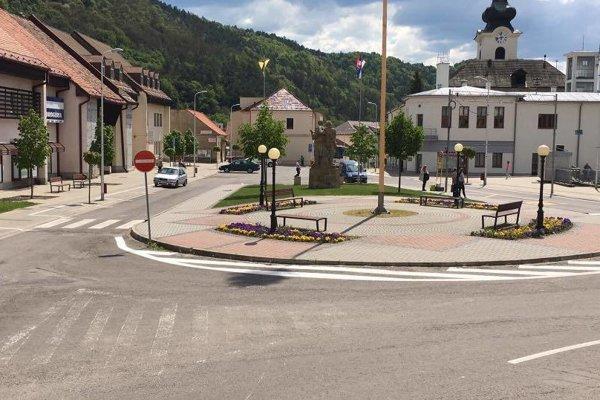 Parkovanie v centre mesta je od 1. mája spoplatnené.