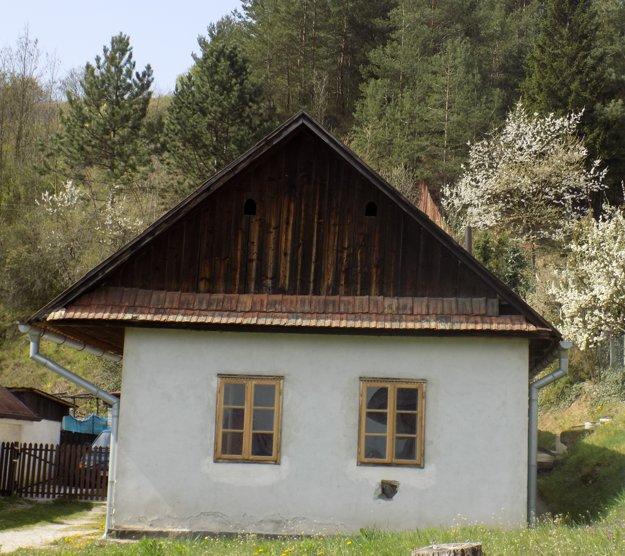 Domček v Dolných Vesteniciach čaká na historické exponáty.