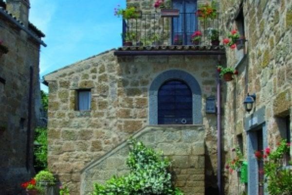 Jeden z mála trvalo obývaných domov. Obyvatelia tu žijú najmä vďaka turistike, mimo sezóny sa väčšina z nich odsťahuje