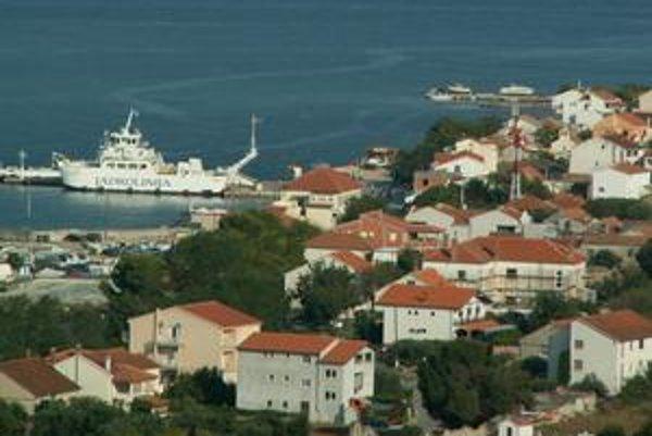 Prístav v Tkone.