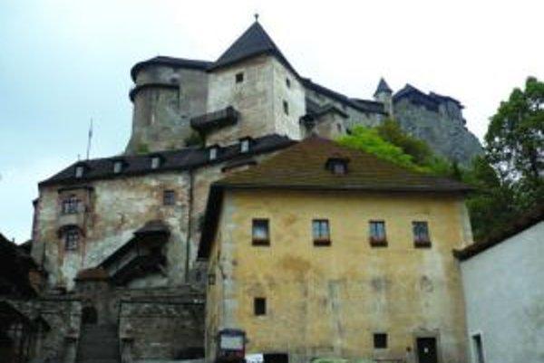 V stredoveku sa stavalo s vkusom.