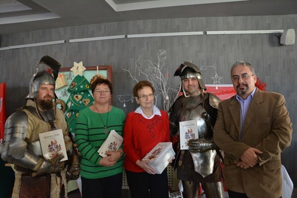 Župa chce priblížiť regionálne dejiny stredoškolákom   aj vydaním Župného dejepisu. Na jeho tvorbe sa podieľali učitelia i historici.
