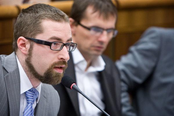 Poslanec SaS Martin Poliačik šéfa strany Richarda Sulíka vo voľbách predsedu už zrejme nepodporí.