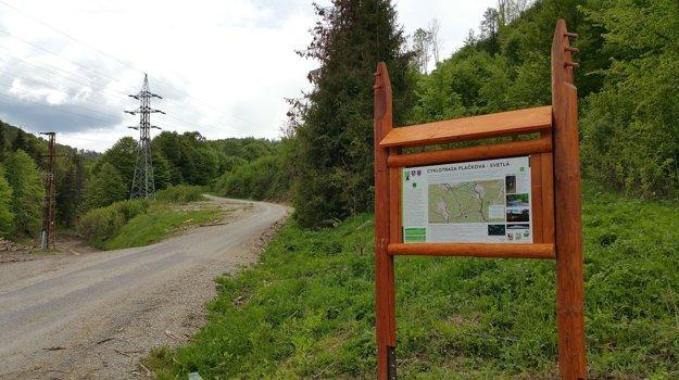 Nová cyklotrasa obchádza sedlo Zbojská a končí sa pri hlavnej ceste pred obcou Pohronská Polhora.
