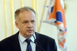 Andrej Kiska požiadal prievidzskú primátorku, aby preverila údajné šikanovanie dvoch zamestnankýň.