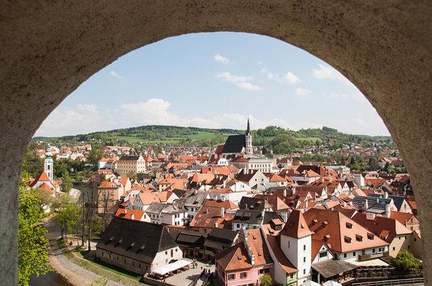 Český Krumlov je po Prahe najnavštevovanejšia turistická atrakcia.
