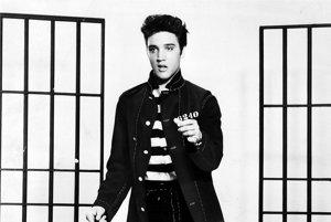 Elvis Presley (1935 – 1977) bol nielen Kráľ Rock and Rollu, ale aj najžiadanejší muž svojich čias. Vytvoril vlastný štýl tanca a obliekania, ktorý ženy obdivovali a muži chceli napodpobňovať.