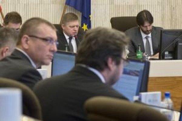 Vláda dnes bude rokovať v Banskej Bystrici.