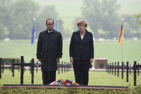 Merkelová uviedla, že tieto spomienkové slávnosti ukazujú, aké dobré sú nemecko-francúzske vzťahy.