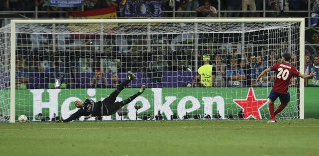 Juanfran namieril v penaltovom rozstrele do žrde.