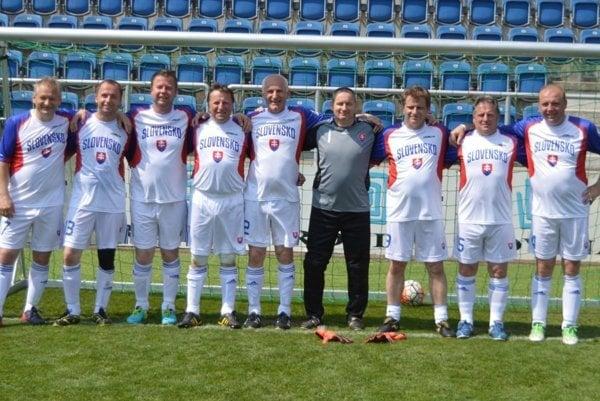 Zľava: Daniel Laura, Vladimír Multáň, Jaroslav Pepucha, Pavol Bugeľ, Jozef Záhora, Ján Beňuš, Ladislav Matejčík, Ladislav Tomáň, Milan Pavlovčík.