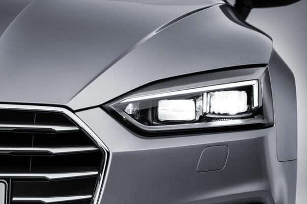Svetlomety modelu sa dizajnom líšia nielen od predchodcu, ale aj od nového sedanu A4