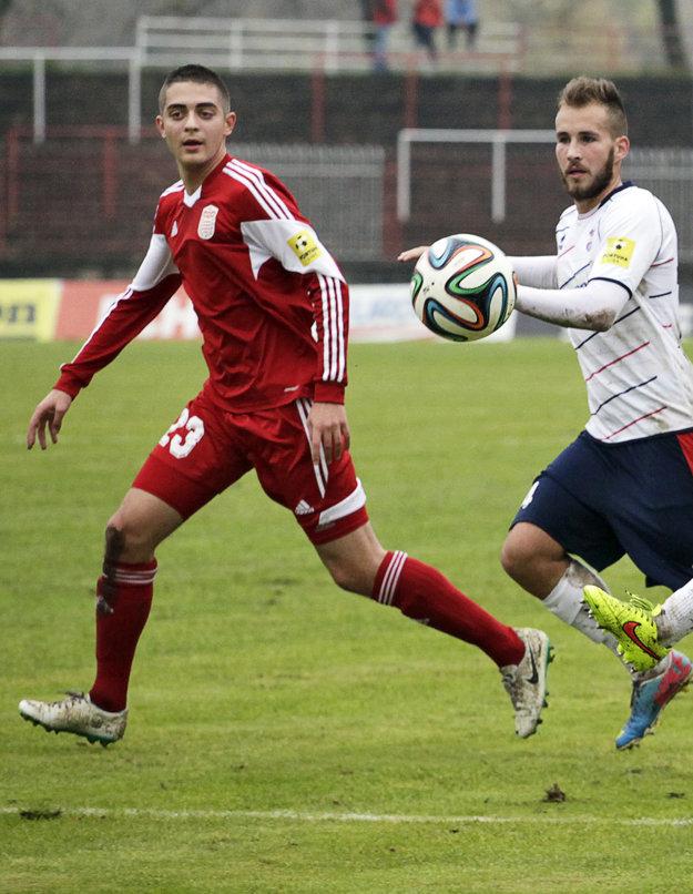 Bývalý útočník banskobystrickej Dukly Michal Faško (č. 23) strelil dnes v Suttone dva góly.